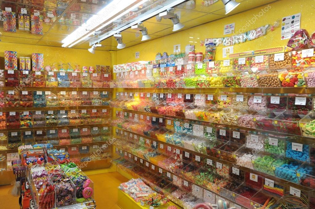 depositphotos_32697073-stock-photo-candy-shop.jpg