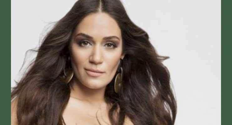 Turkish-actress-Özge-Borak.jpg